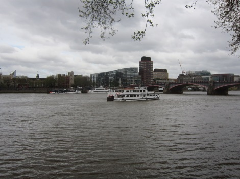 Looking across the Thames. Lambeth Bridge, which I'll soon cross on the right; Lambeth Palace on the left.